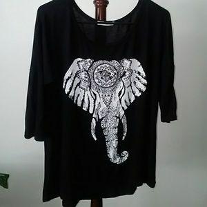 Tres Bien black elephant t-shirt. Medium